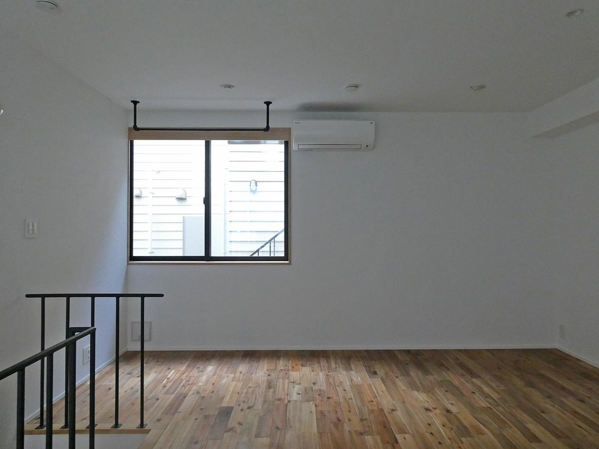 101、103号室:1階LDKを東側から