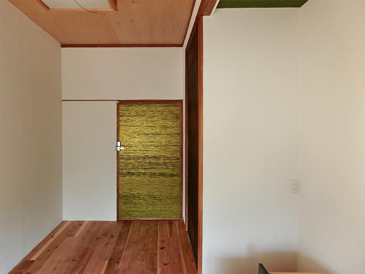 A号室:扉の隣には半間の押し入れ(エアコン設置予定)
