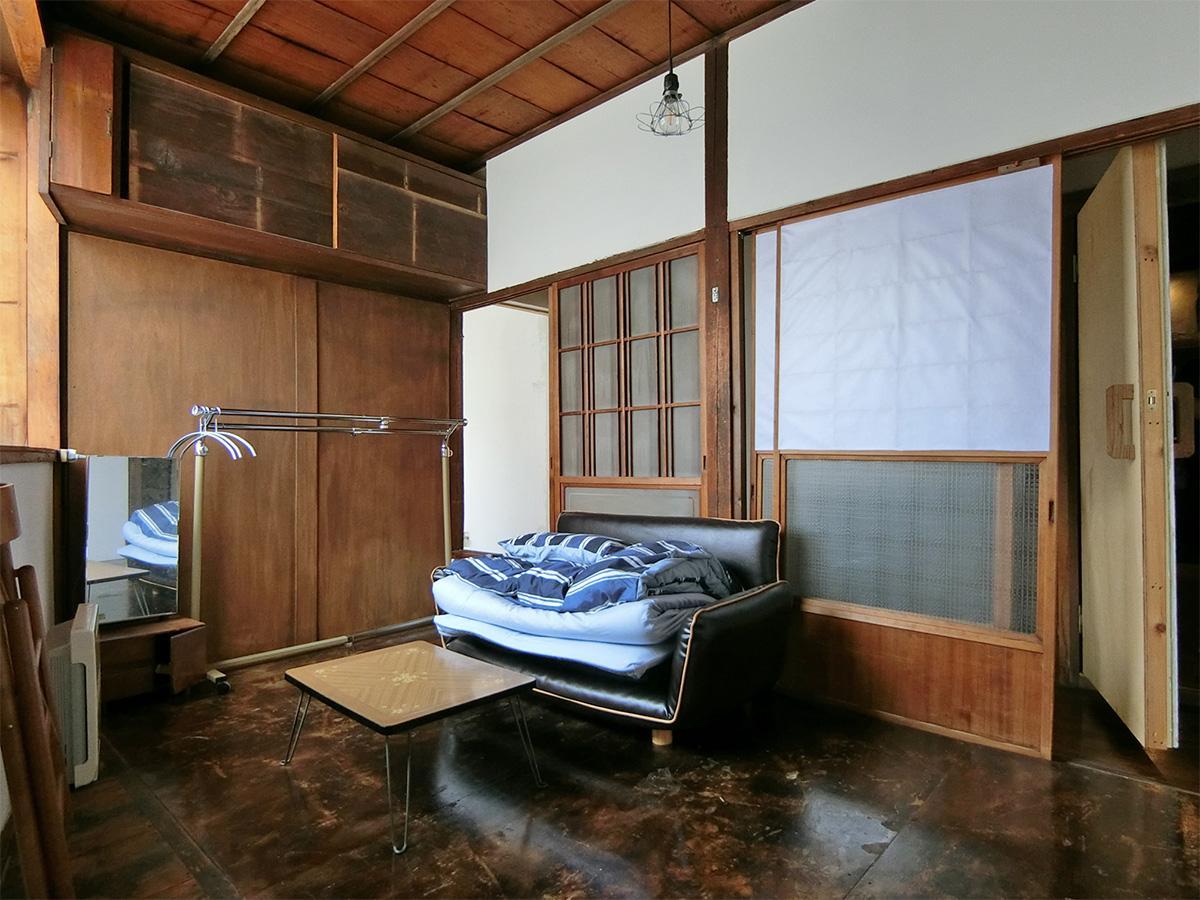 7号室:部屋のかたちは台形※不要な家具は撤去可能