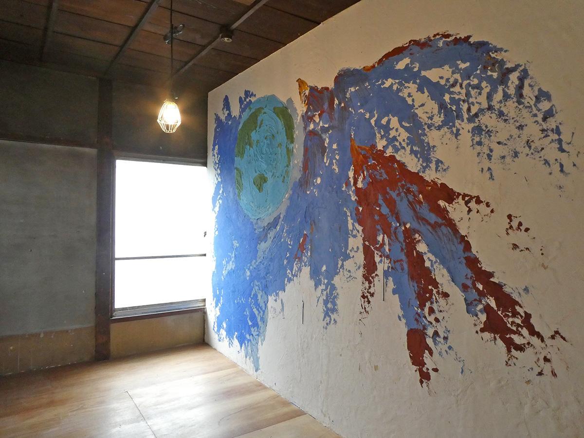 3号室:手描きアート作品と暮らせます