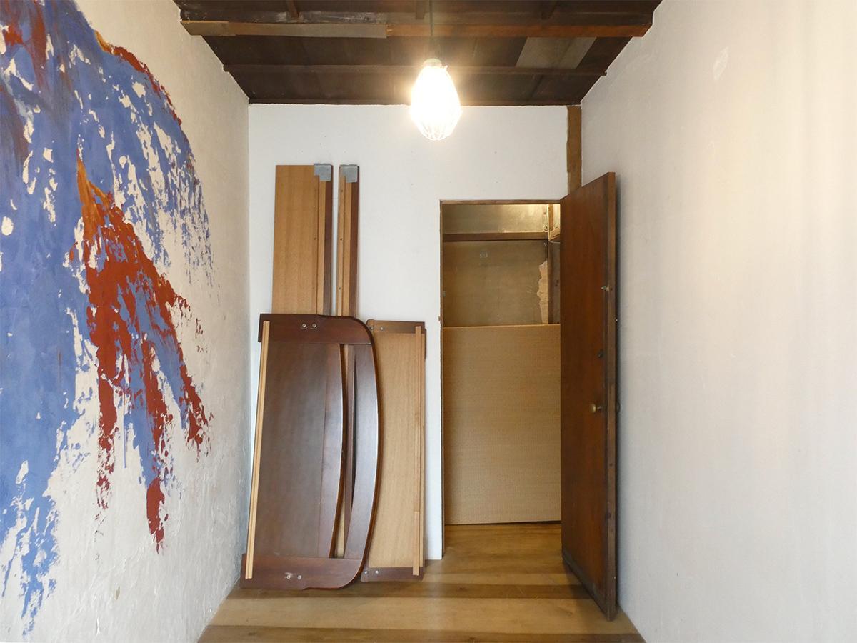 3号室を南西側から。幅は約1.7m※不要な家具は撤去可能。窓付けエアコン設置予定