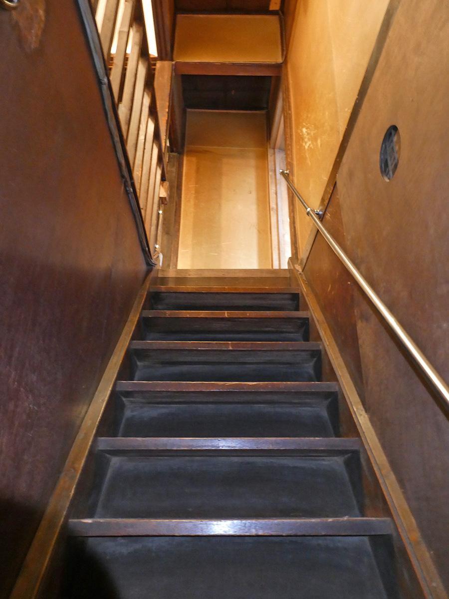 階段。少し急