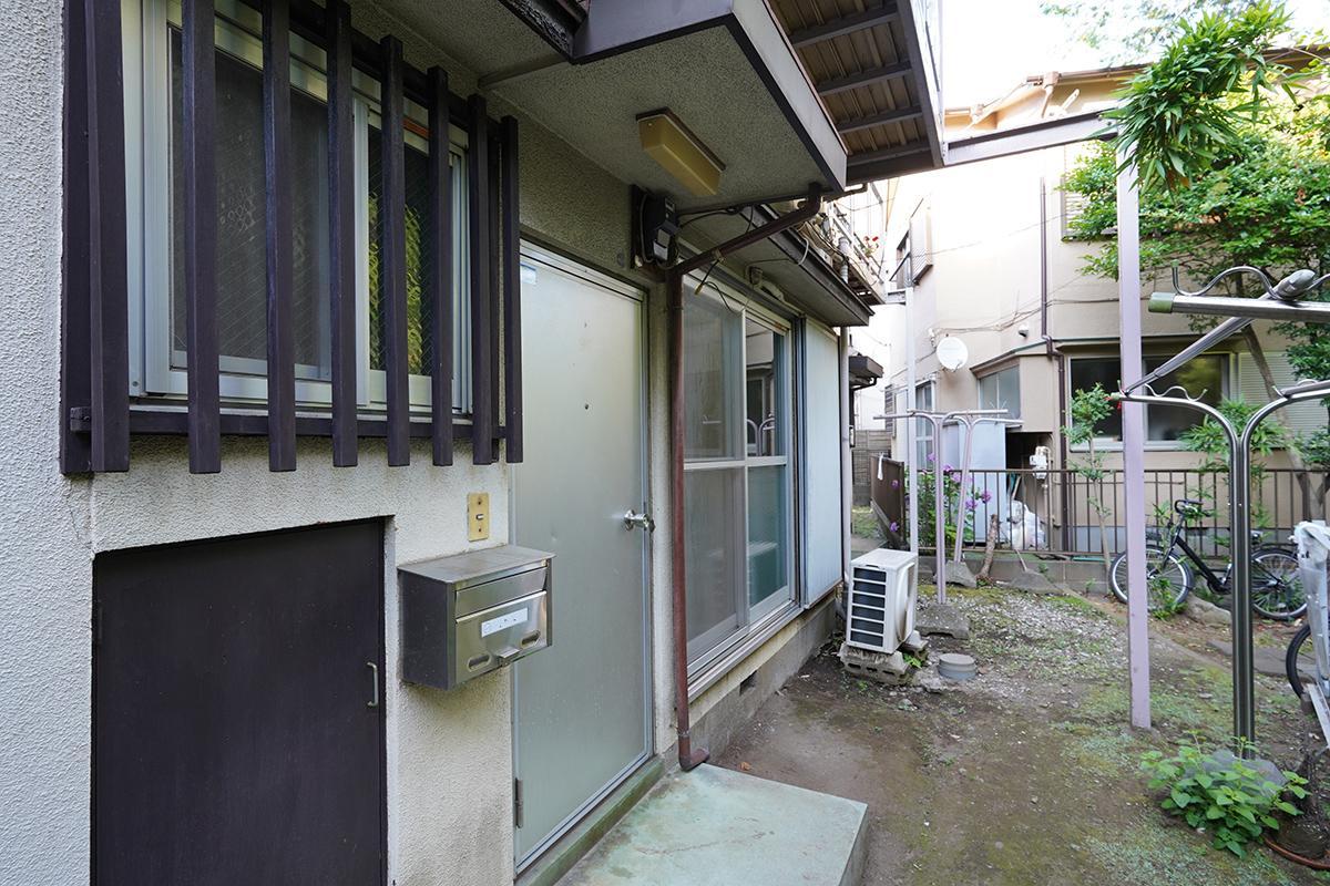 (102号室)玄関