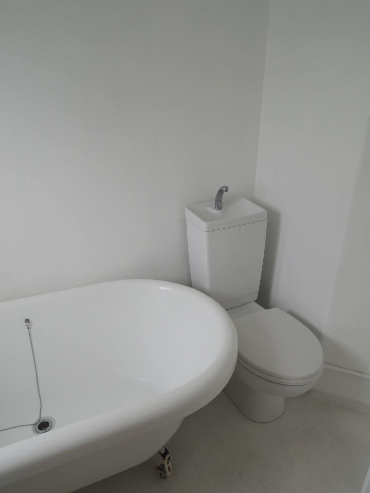 トイレと密着気味ですが、これもご愛敬