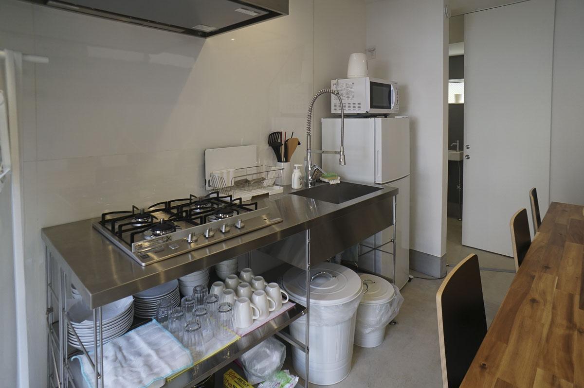 キッチン:カフェにする場合は改装が必要(改装は貸主に事前承諾を取れば可能)