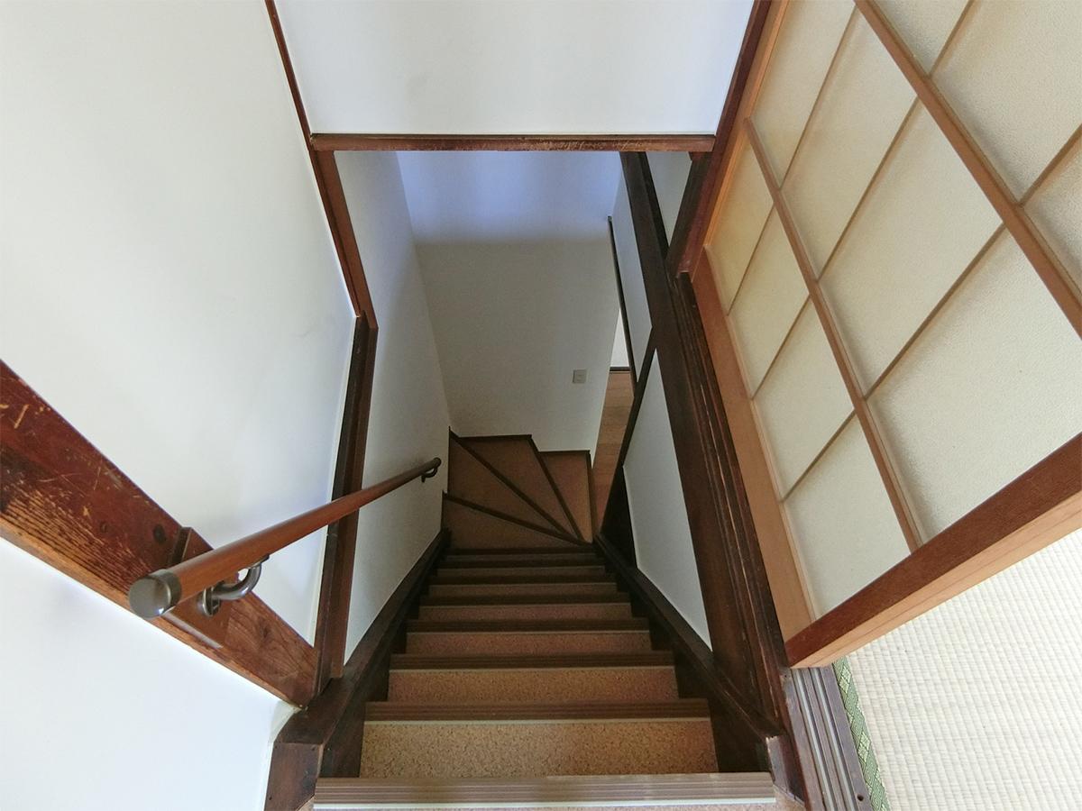 階段。ちょっと急です