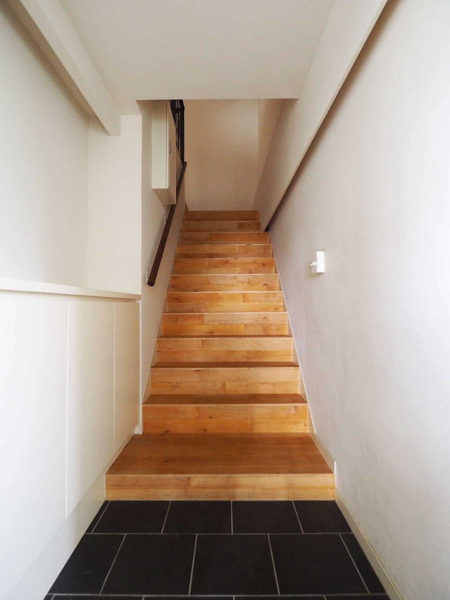 玄関は4階にあります
