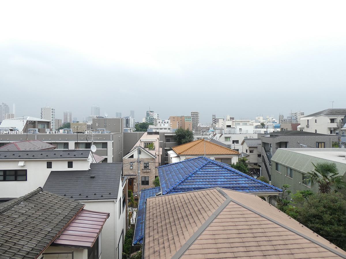 ベランダからの眺望。椎名町エリアを一望