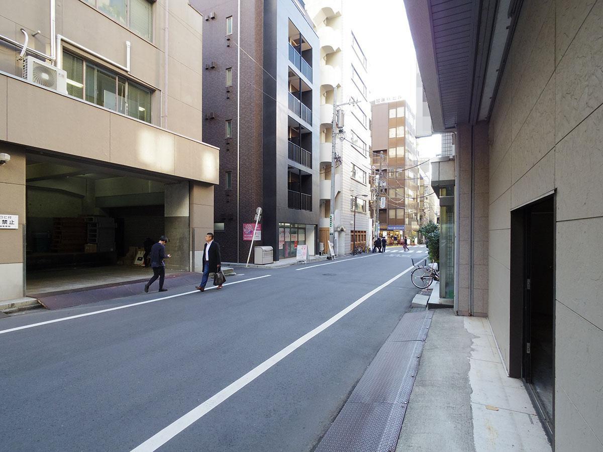 錦華通りを向いて