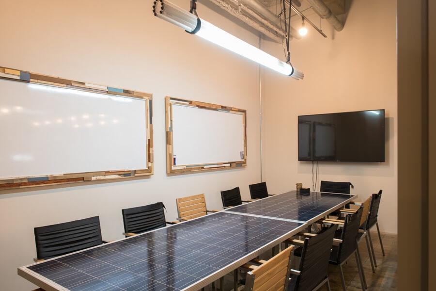 8~10名用の大会議室。