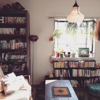 本棚の出窓