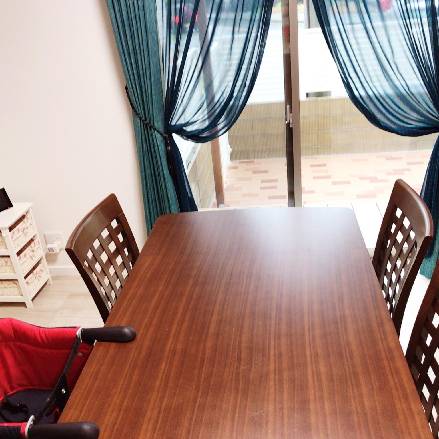 女性31歳の家族暮らし、建具はクリエモカMy Deskやターコイズブルーのカーテンやスミノエのカーテンや注文住宅などに関するmiia_0301さんの実例写真