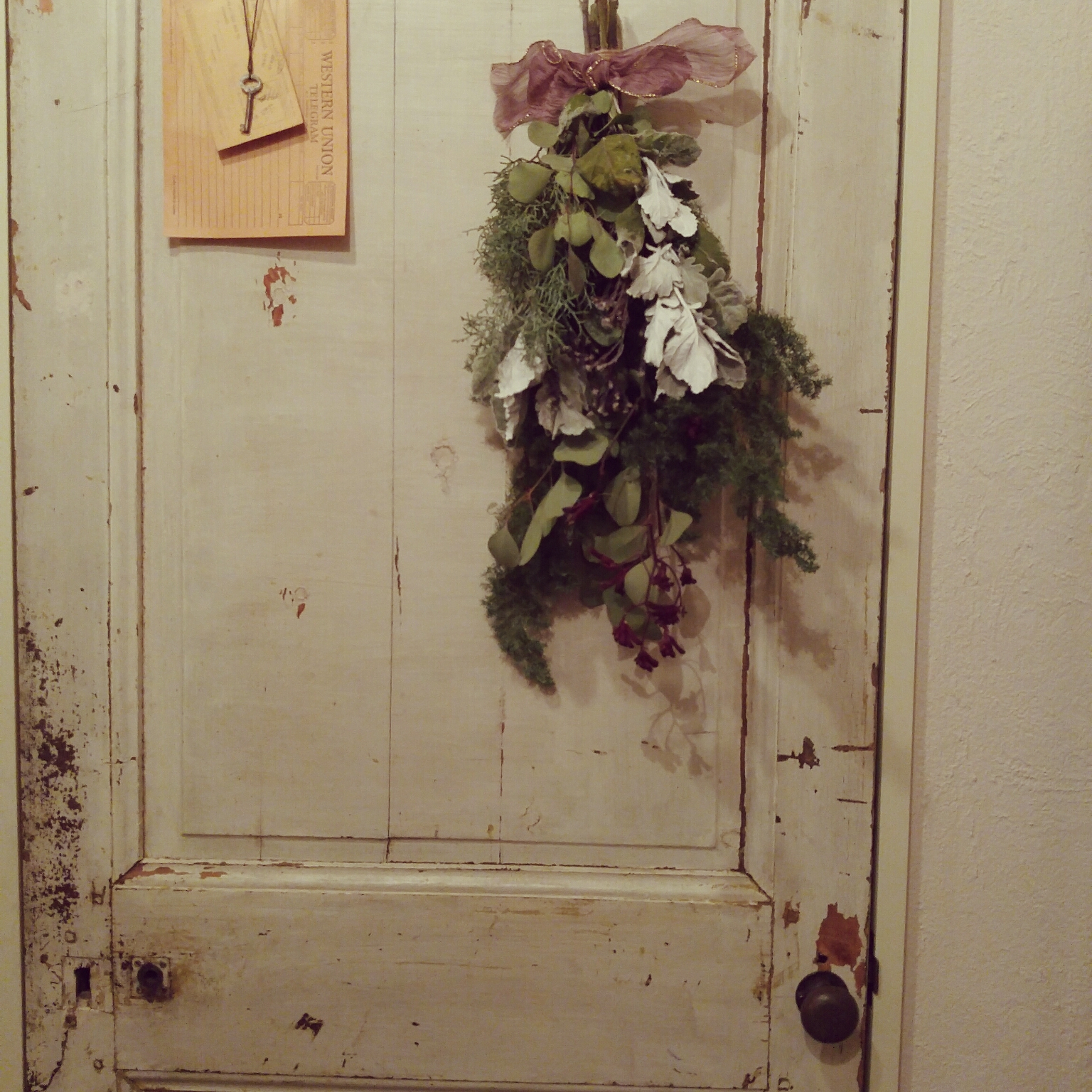 女性家族暮らし4LDK、Entrance玄関/入り口やアンティークやシャビーシックやシャビーなどに関するplans87さんの実例写真