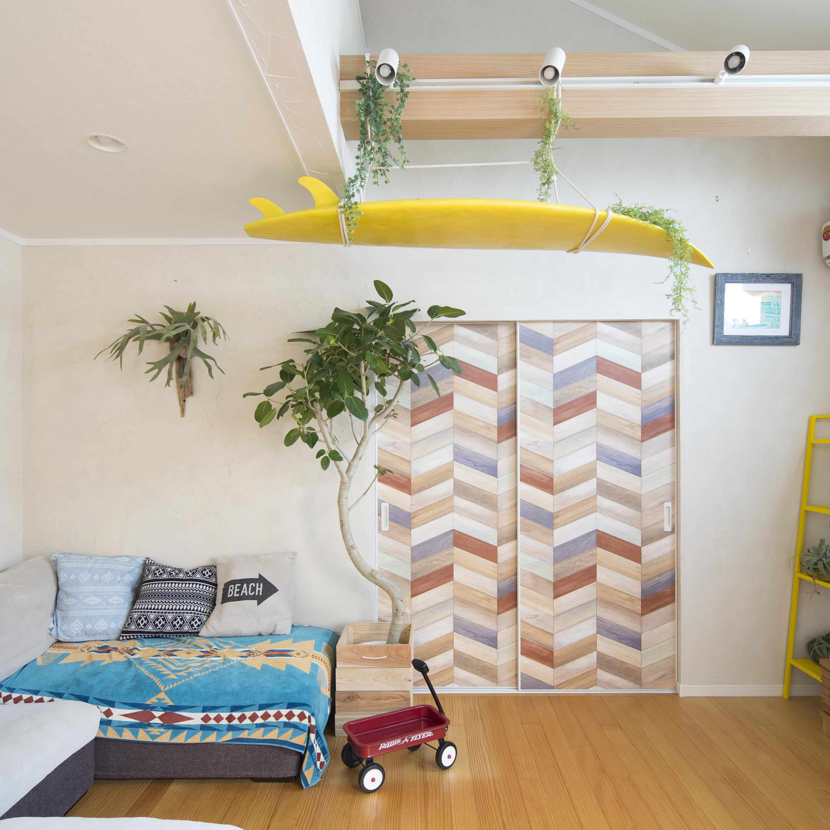 ドアに壁紙を貼ったらこんなに変わった♪壁・床だけじゃない。「ドア」も自分好みにカスタマイズ