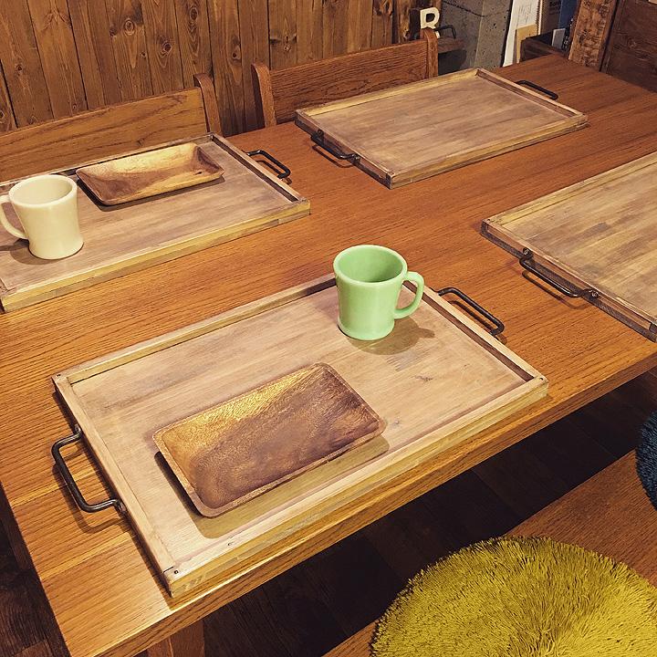 食卓にもっと木の温もりを♪malco-yanさんのDIY木製cafeトレイ