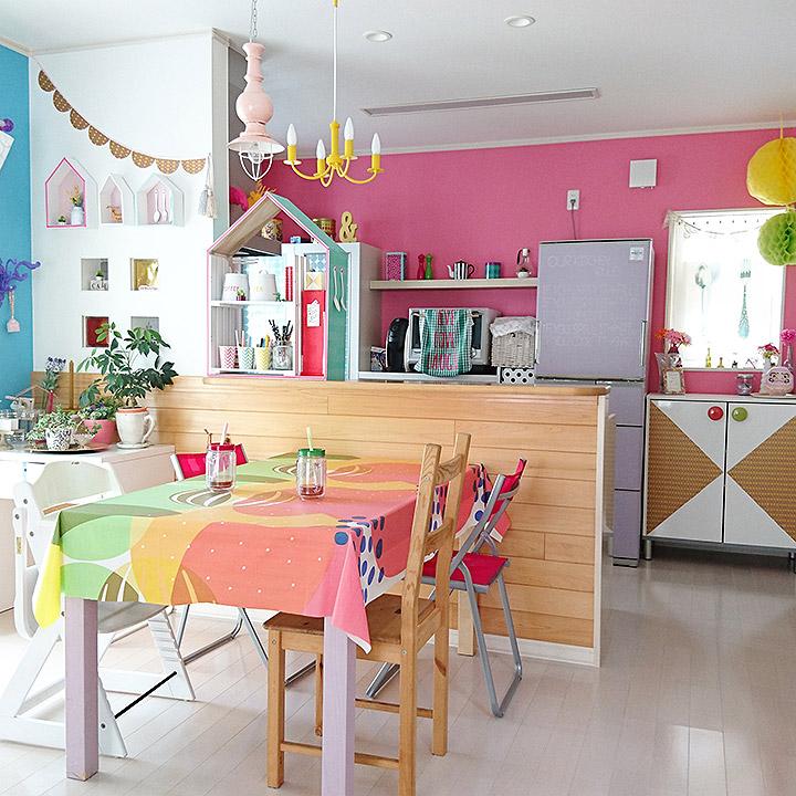 「隠すスペースがないなら、見せるを楽しもう」憧れのキッチン vol.1 Yukanenkoさん