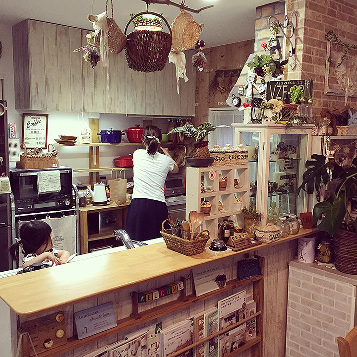 「お鍋だってインテリア☆収納を増やして楽しむカフェキッチン」憧れのキッチン vol.7 cavaさん