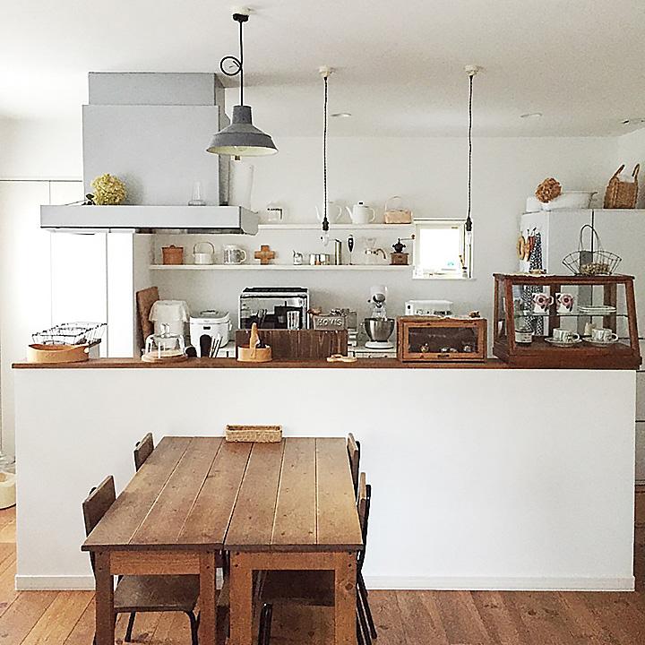 「白×素材で作る、大好きに囲まれたほっと落ち着くカフェ空間」憧れのキッチン vol.54 acoさん