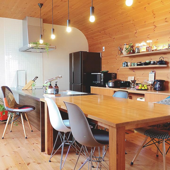「活気あるリアルなカフェ感。ダイナミックに魅せるモダンな空間」憧れのキッチン vol.55 yu-yu-momさん