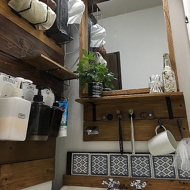 あの事務用品を洗面所に活用☆歯ブラシフックDIY by LP-TAEさん