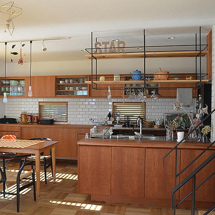 「機能美を追求した、家具職人と作り上げる造作キッチン」憧れのキッチン vol.77 Akiさん