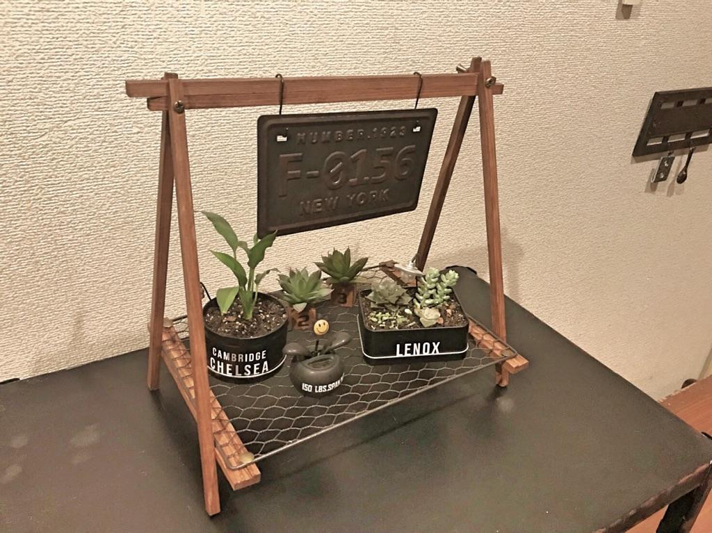 「画鋲でOK♪ディスプレイも映える!即完成のミニ棚」 by nisannisan39さん