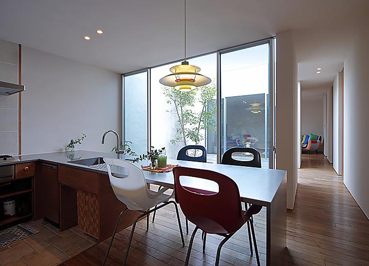 「願望を詰め込んで、家の中心につくった憩いの場」 by Komiyaさん