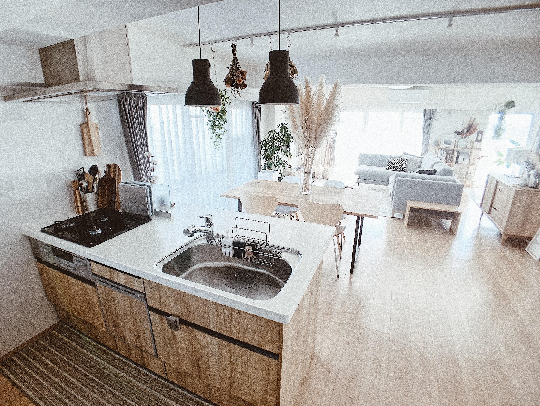 「家族と同じ空間で家事を楽しむ。開放的で明るいキッチン」 by JK_DECORさん