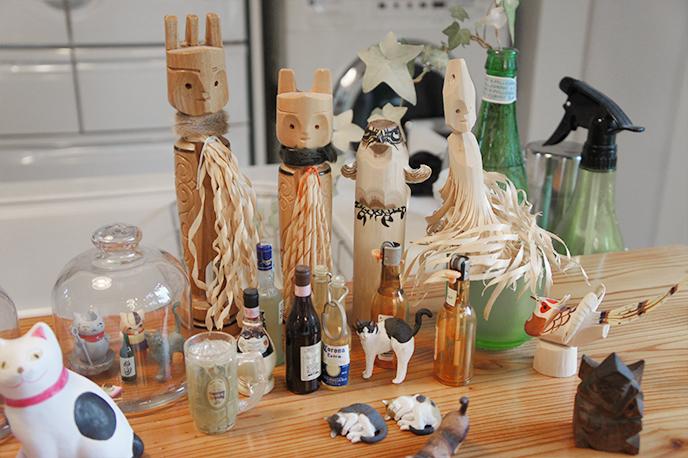中央の木偶はアイヌの民芸「セワ」