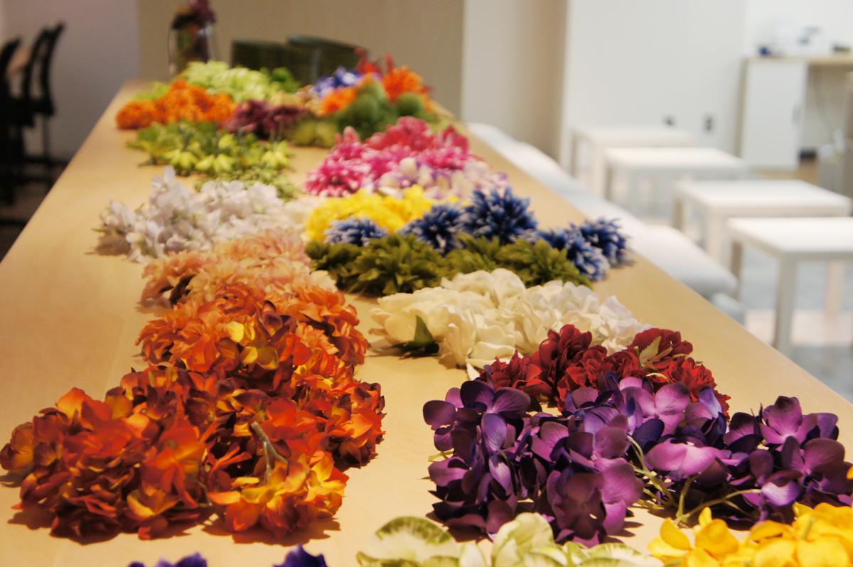 色とりどりの花材