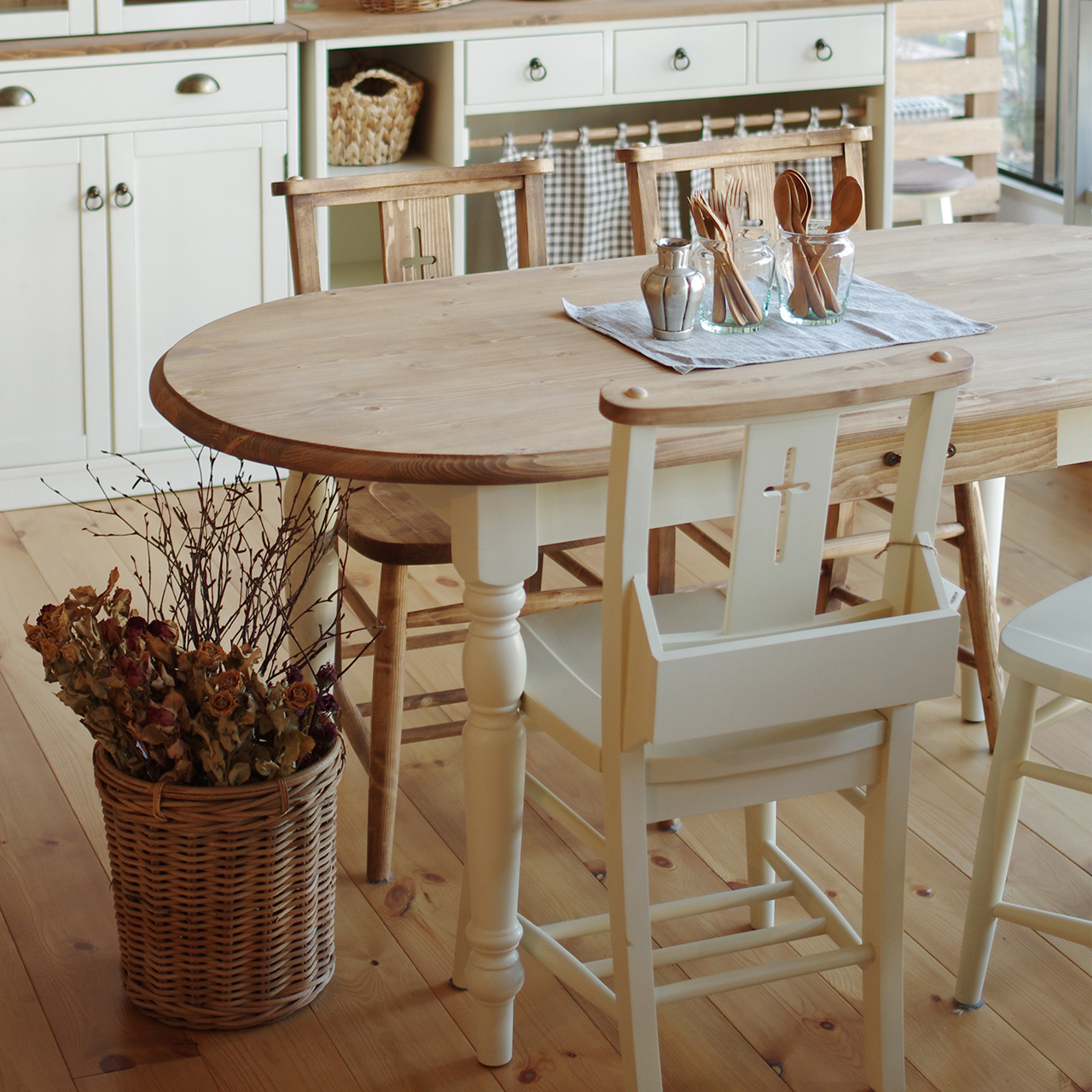 【無料モニター】あなたのお好みはどれ?『関家具』の4ブランドの家具を素敵に使ってくれる方、大募集!