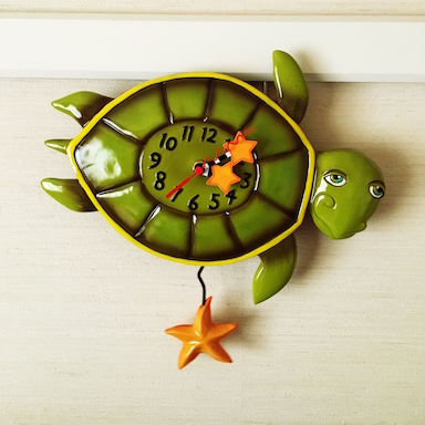 【火曜】「亀の日」。お家にある亀に関係するアイテムを投稿してみませんか♪