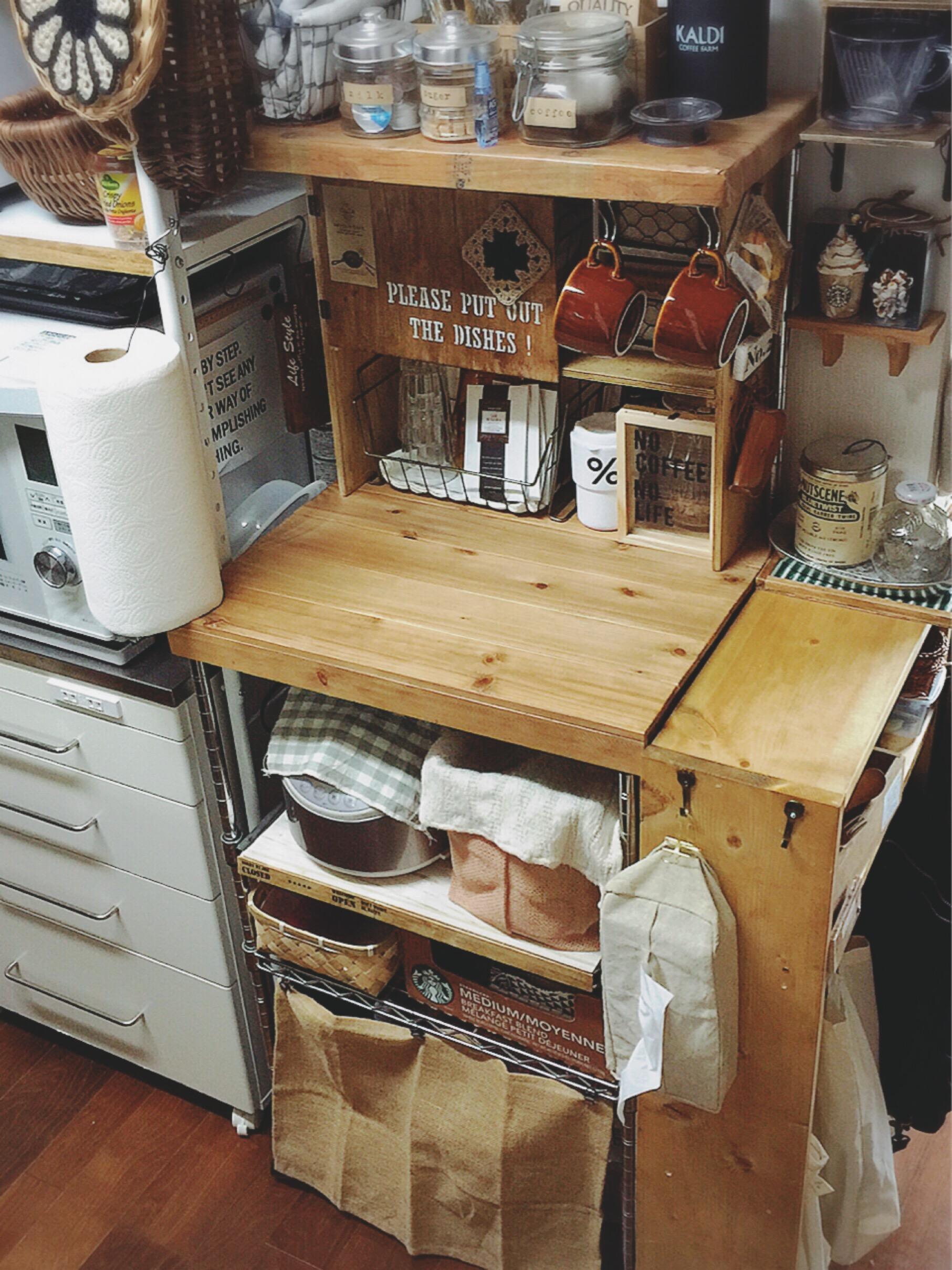 スチール棚がナチュラルなウッド棚に変身!kinu-sakuさんのレンジ台リメイク