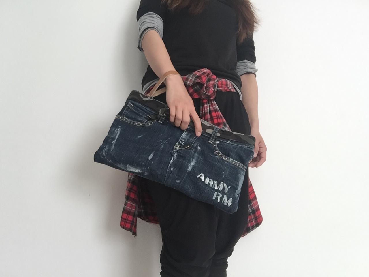 デニムを簡単アレンジ♪ペンキ加工クラッチバッグ by YUUMAさん