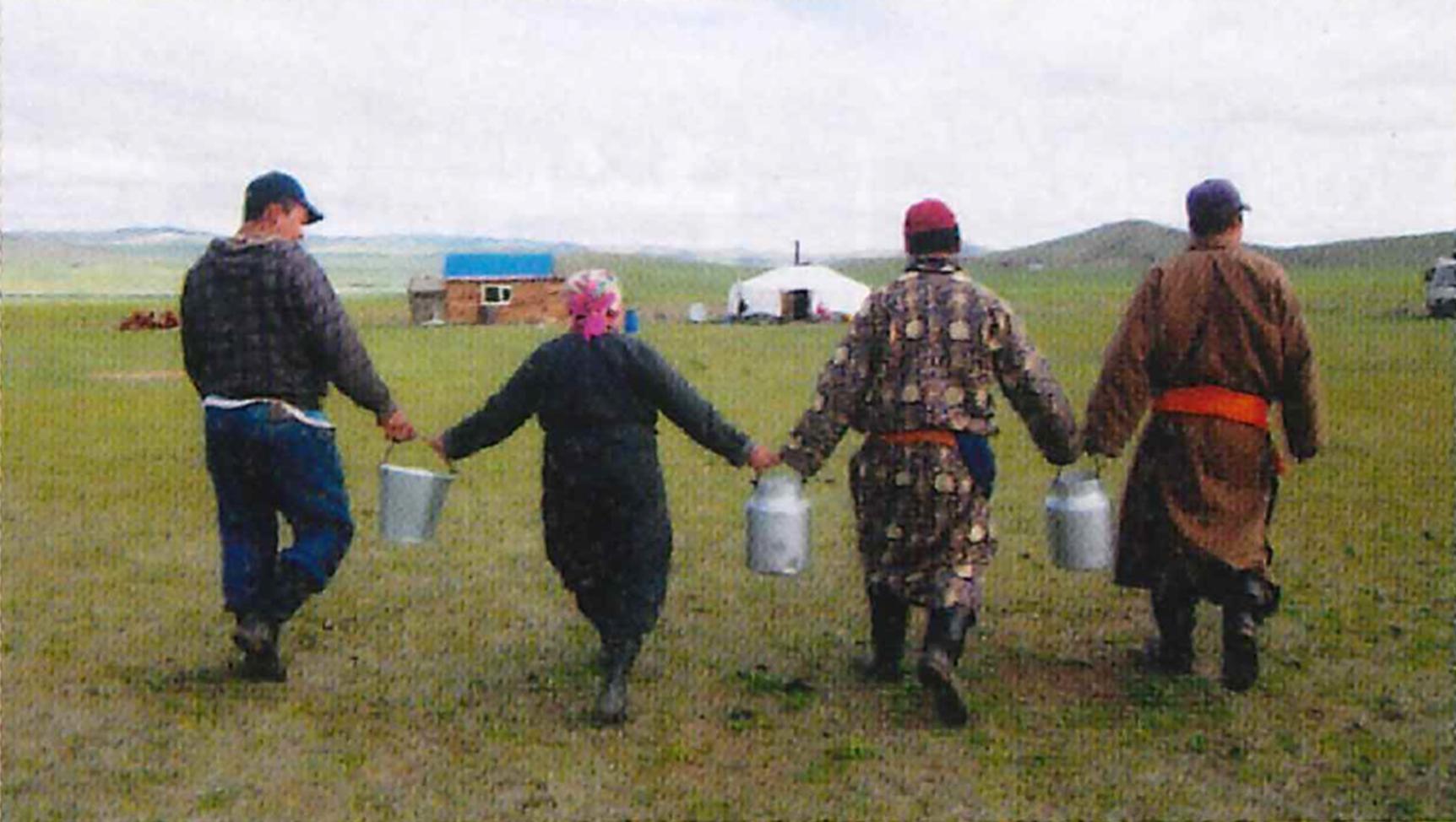 世界の乳文化図鑑㉑ 伝統的な皮袋の発酵容器