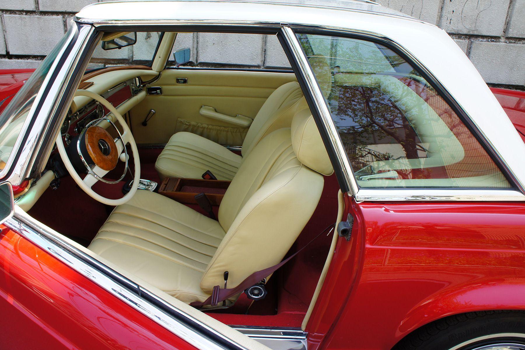 ガレージ310 (ガレージミト)70年 280SL 赤白