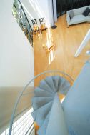 LIGHT BOX STUDIO 中野 Ast (ライトボックススタジオ):螺旋階段
