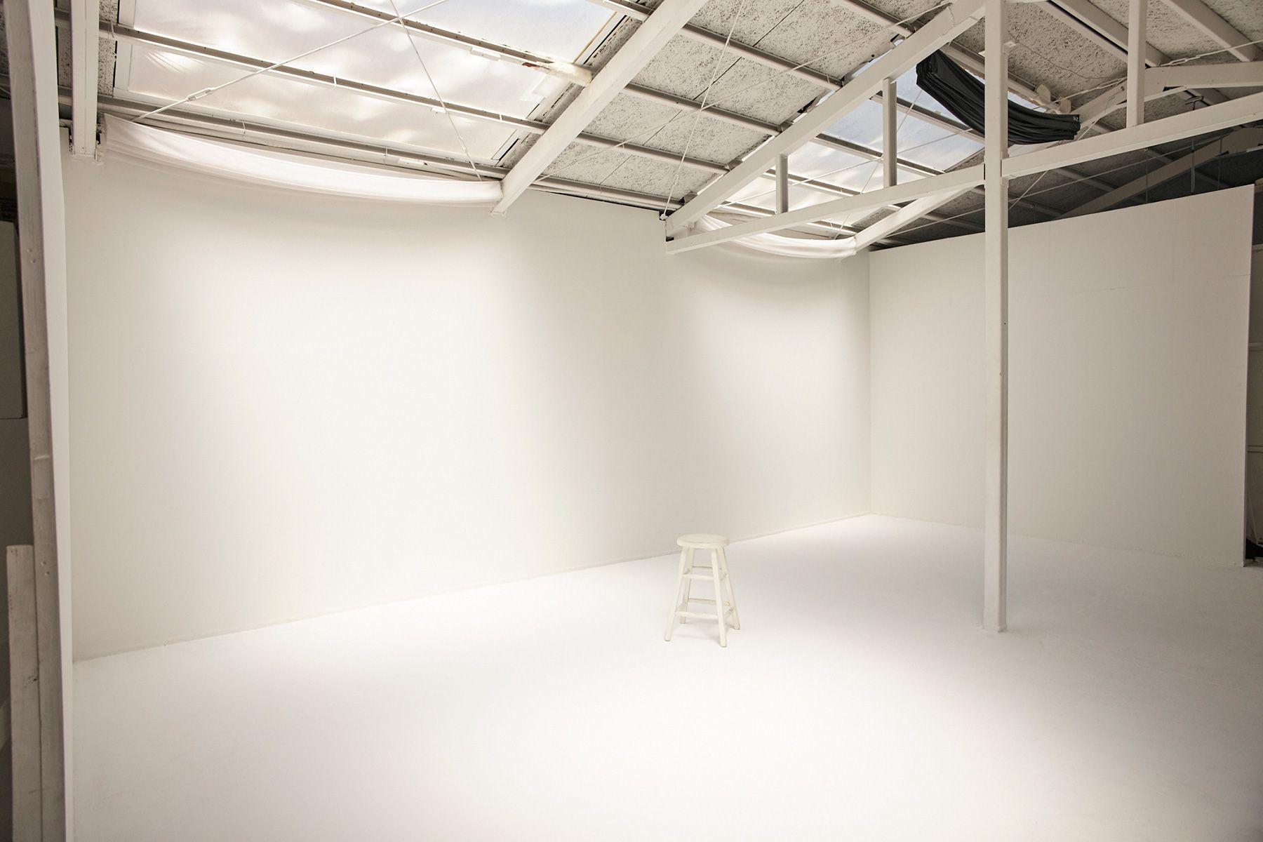 STUDIO MAU(スタジオ マウ)黒幕で遮光も可能