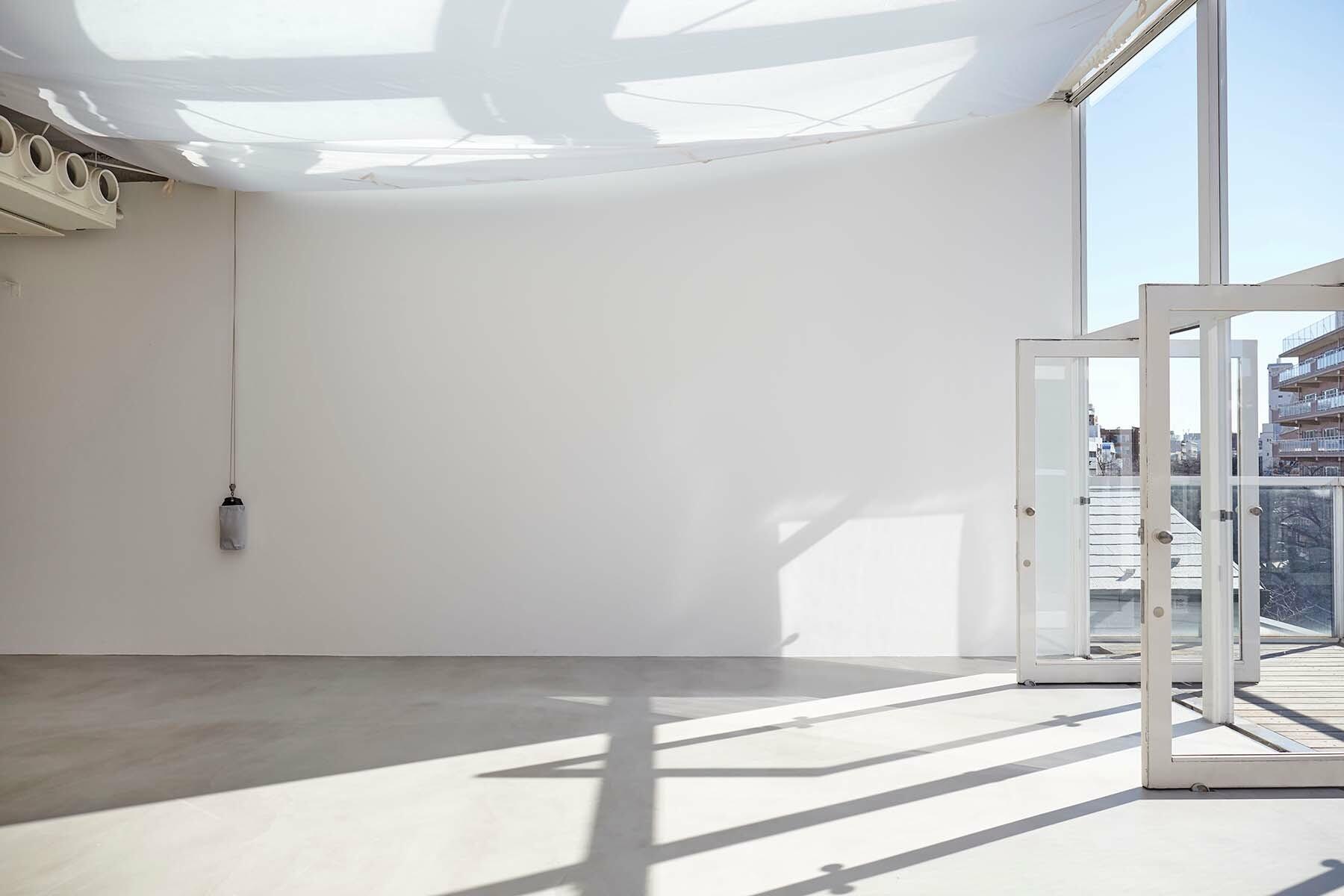 BASE STUDIO(ベーススタジオ)北西面/入口階段側