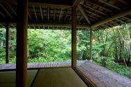 蓼科山荘(別荘):窓を開けると開放的な次の間