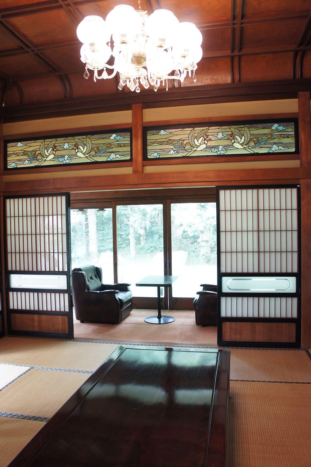 大日苑(ダイニチエン)/旧植竹庄兵衛邸シャンデリアとステンドグラス