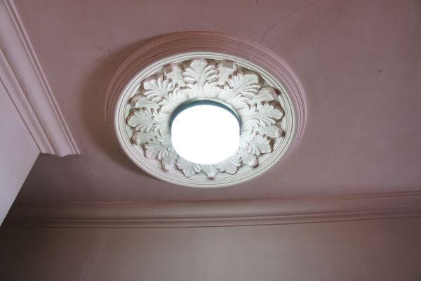 大日苑(ダイニチエン)/旧植竹庄兵衛邸洋館の照明は昭和初期のオリジナル