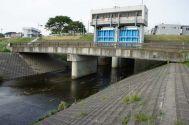 多摩川河川敷: