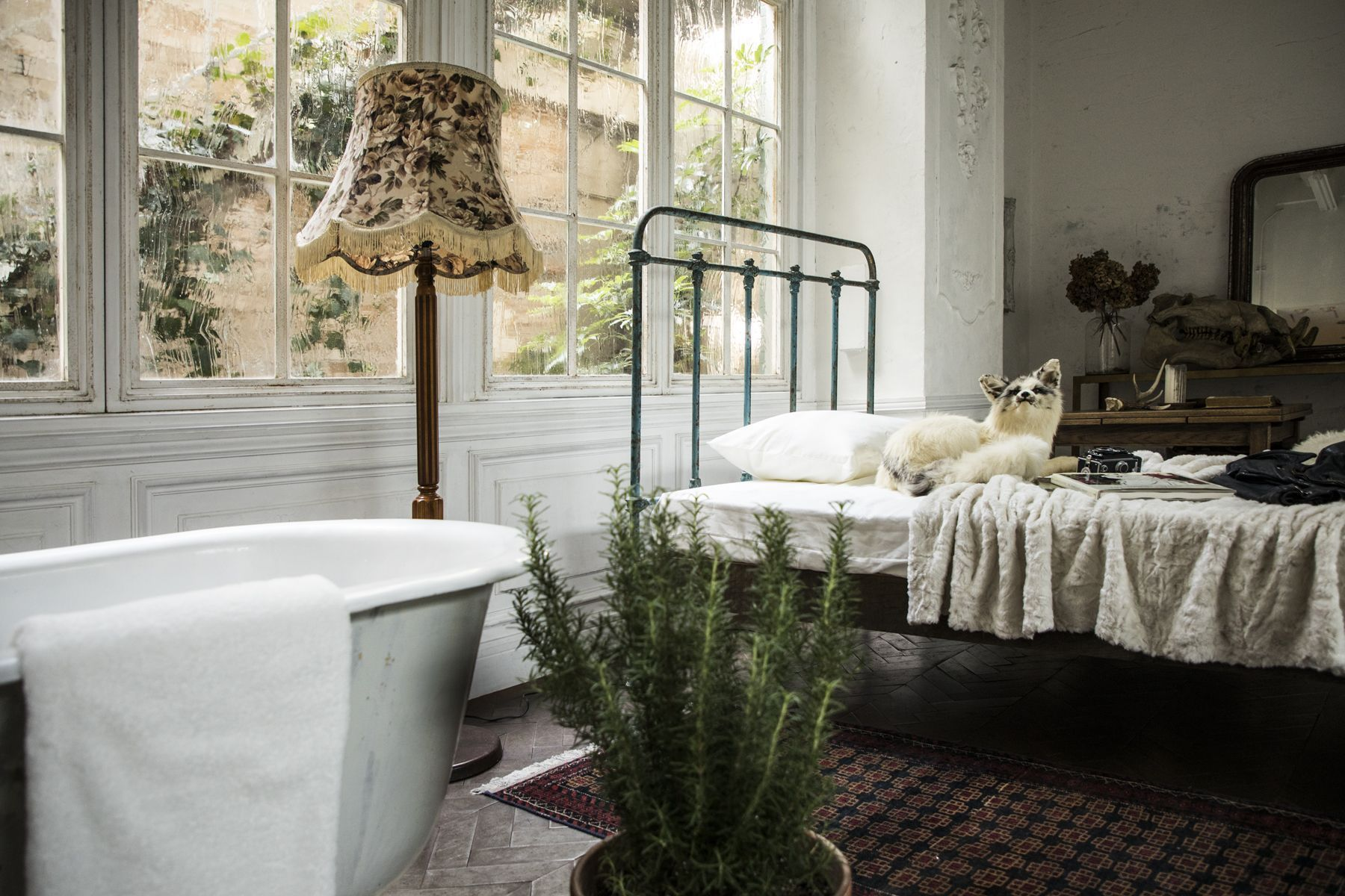 Le CAVE STUDIO (ル・ケイブ スタジオ)bathtub&bed