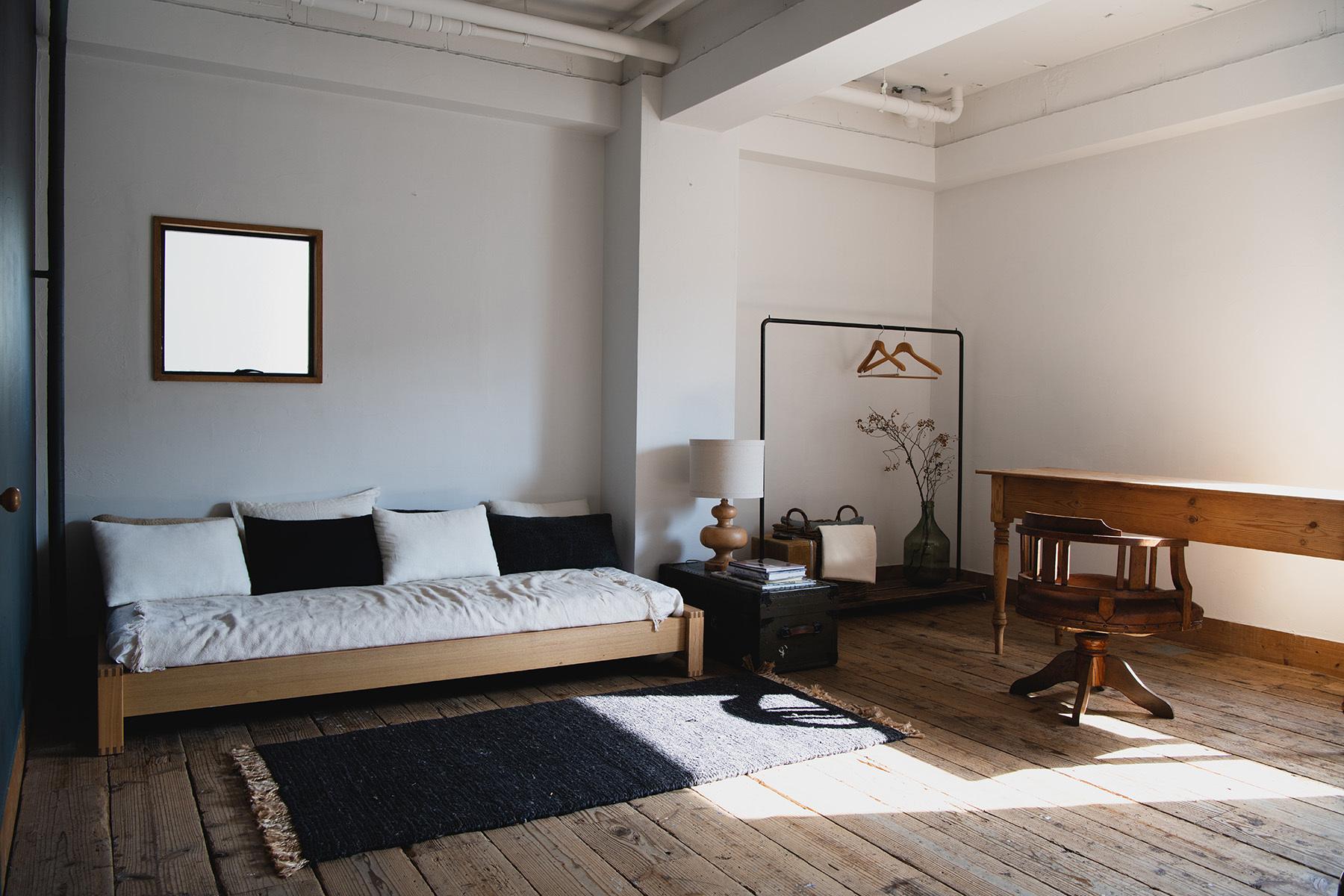 studio rue scipion  (スタジオ リュシピオン)ウッドフロアの窓