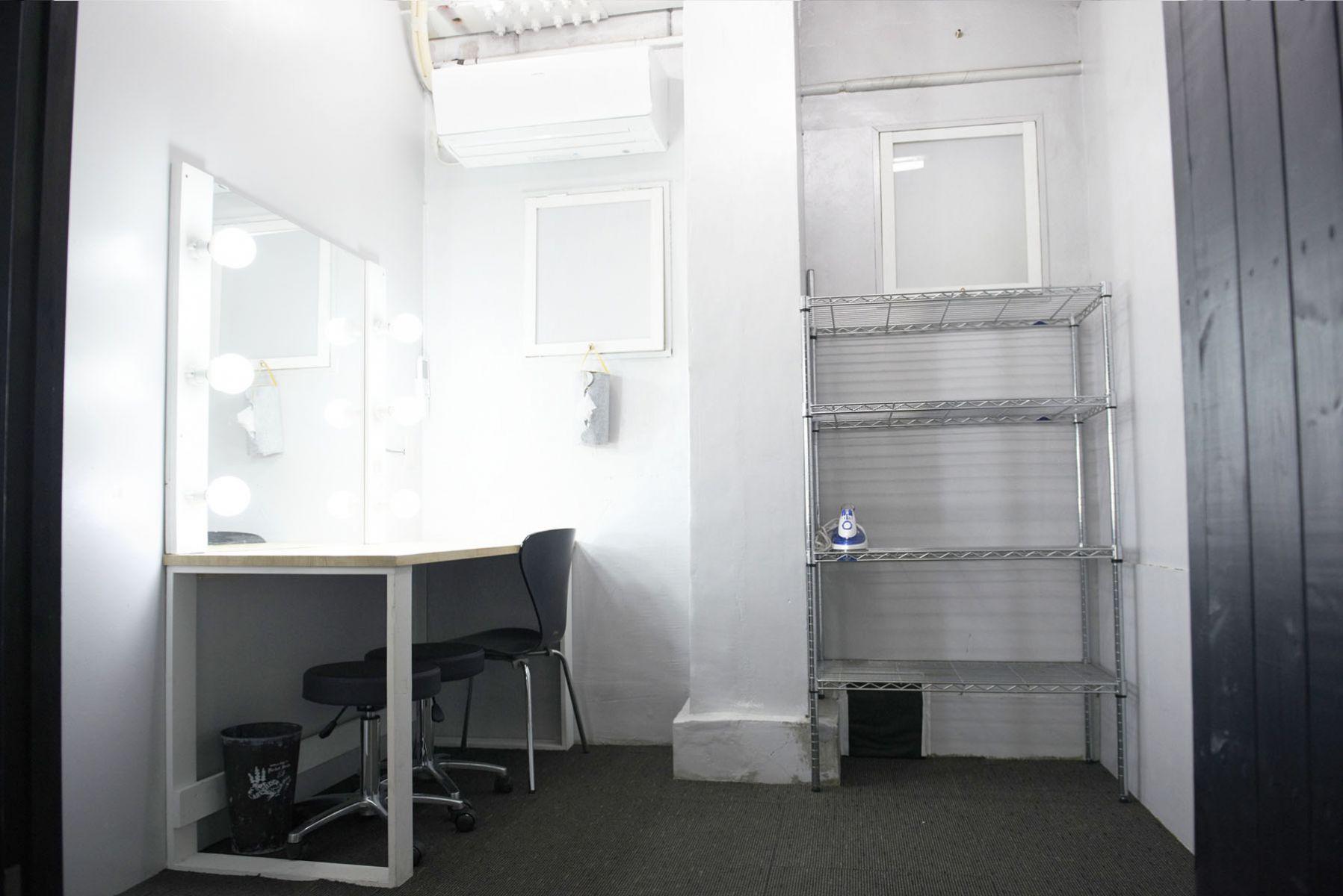 STUDIO FOGLIA 1st (スタジオ フォグリア 1st)個室メイクルーム