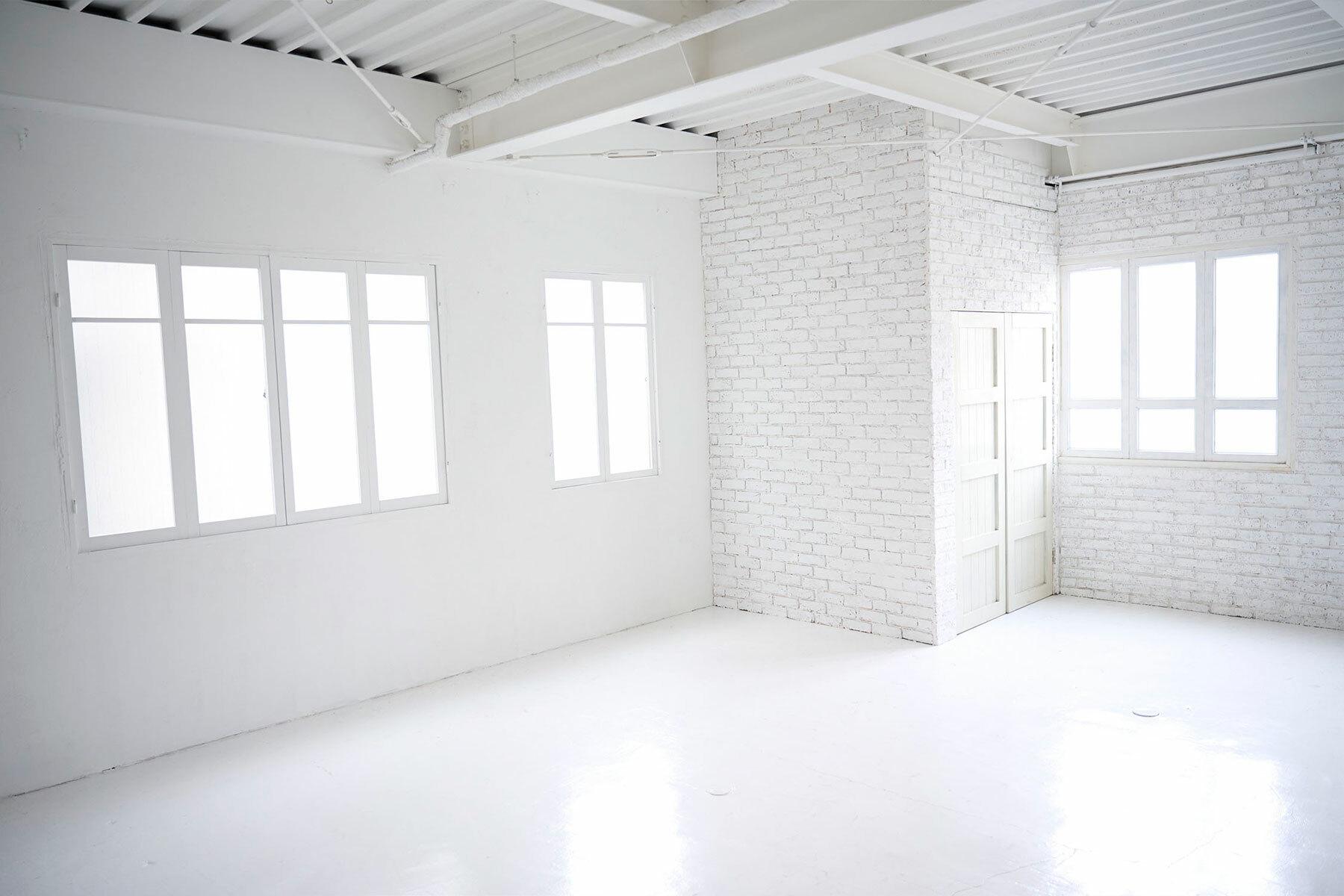 STUDIO FOGLIA 2st (スタジオ フォグリア 2st)ナチュラルな白い板壁