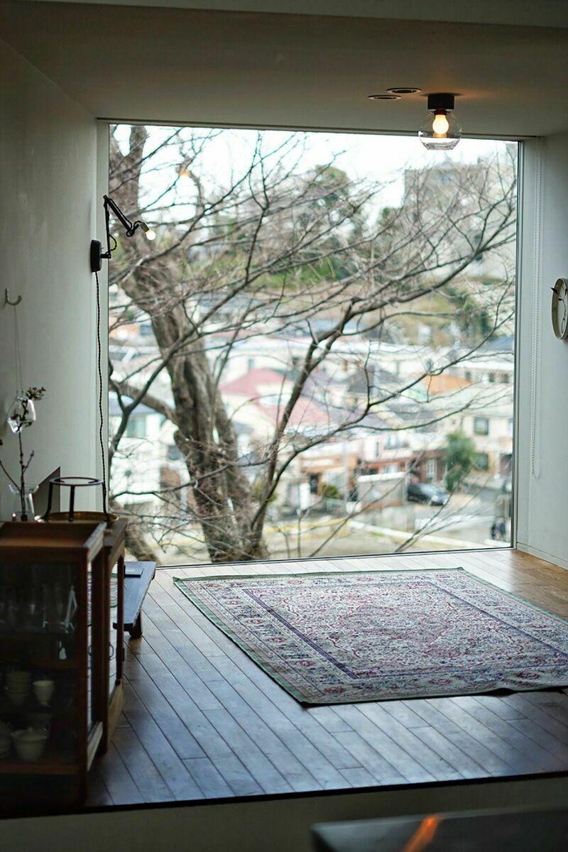 Casaさかのうえ/個人宅兼オフィスルーバーからの光:南西向き