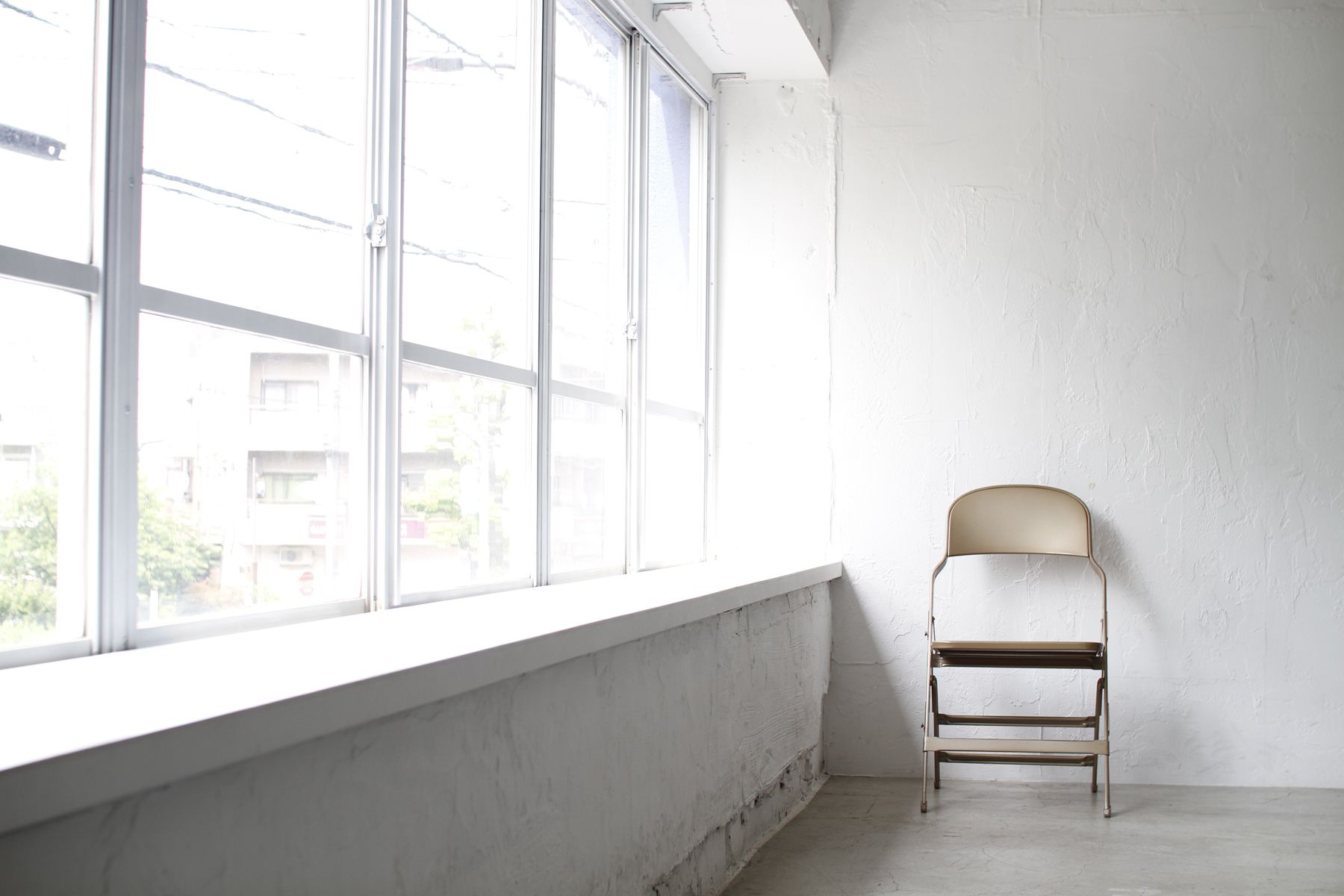 LEERES STUDIO (リアレススタジオ)出窓/2F