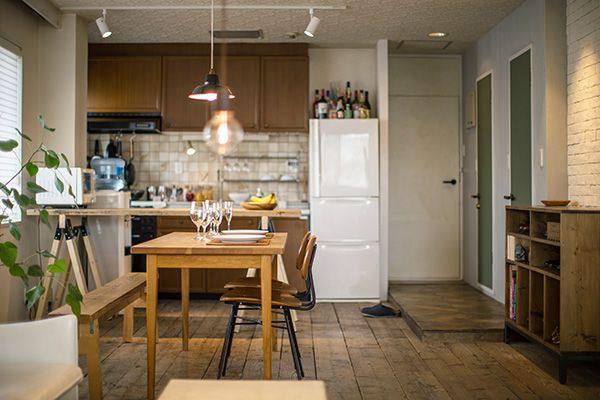 M RESIDENCE/個人宅 (エム レジデンス)さまざまな木材の色が調和